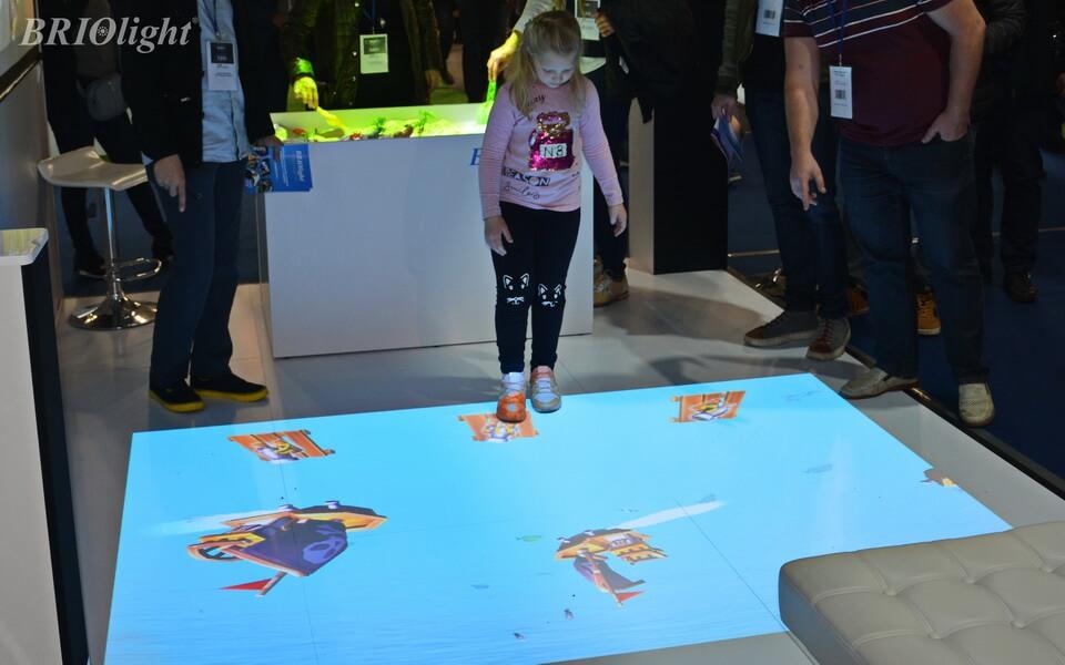 Interactive floor Briolight S