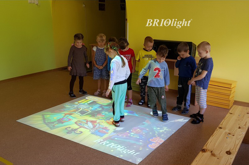інтерактивна підлога для дитячих садків