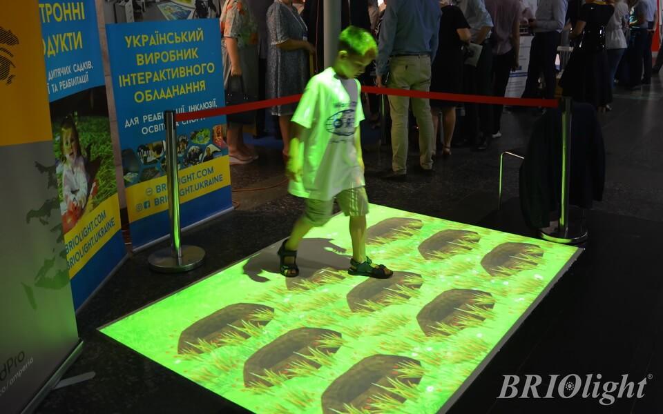 Interactive floor Briolight