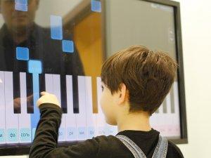Інтерактивна панель для дитячих садів