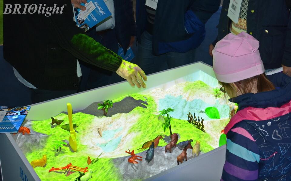 Interactive sandbox Briolight S