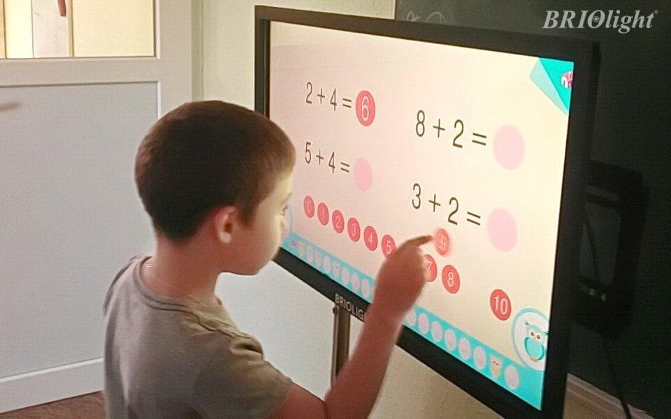 Интерактивная панель Briolight S