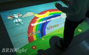 вивчення англійської за допомогою інтерактивної підлоги