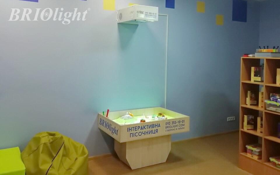 Интерактивная песочница, установленная в одном из центров