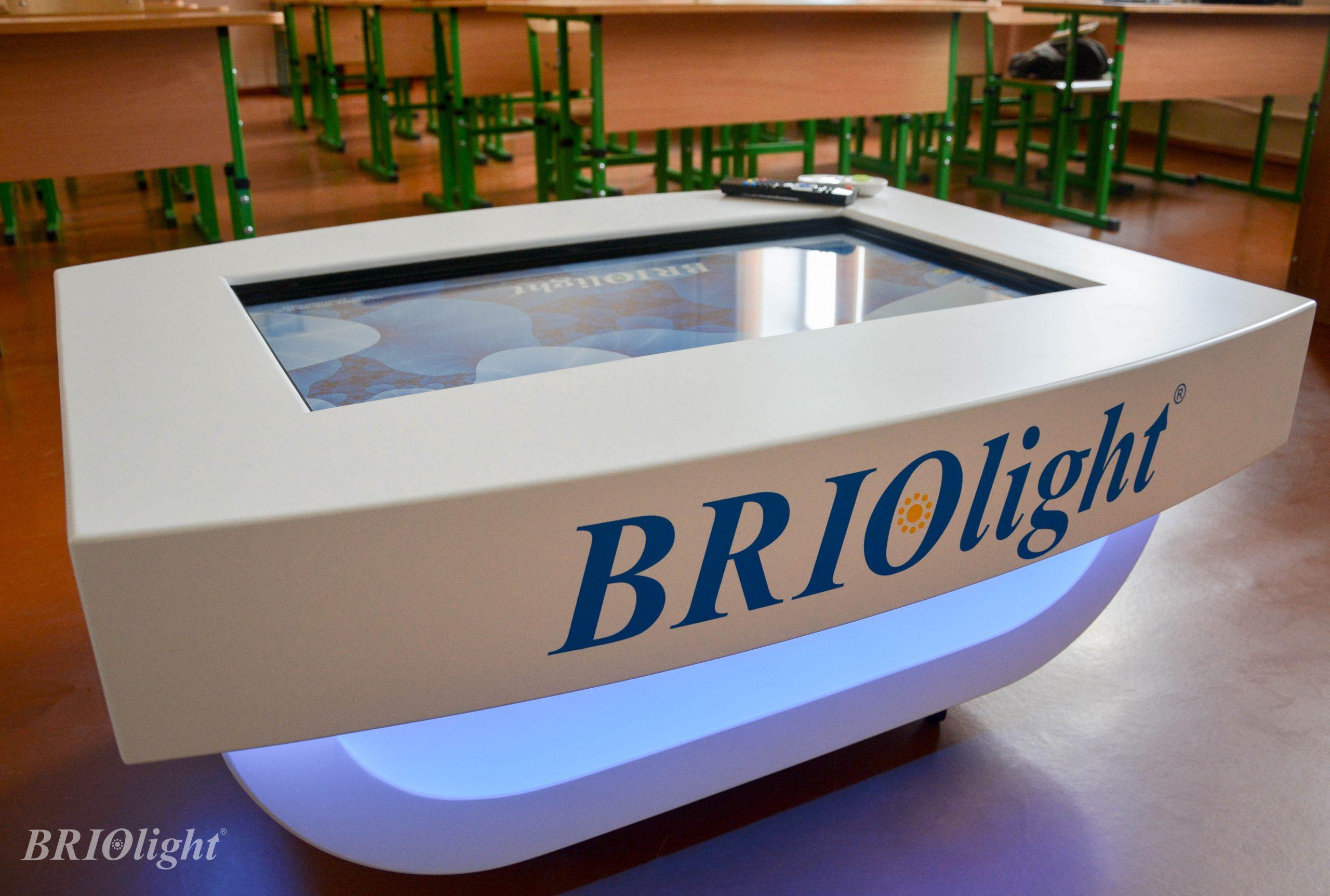 Інтерактивний стіл Бріолайт купить Україна для дітей